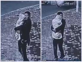 Video: Người đàn ông bán con 5 tháng tuổi để lấy tiền mua ô tô cho vợ