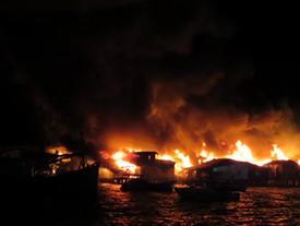 Lời kể của người thoát chết trong vụ cháy thiêu rụi hơn 40 căn nhà