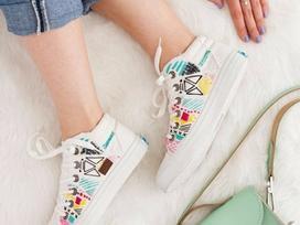 Nếu có ý định sắm sneaker diện Tết, hãy 'nghía' qua ngay 4 kiểu giày này!