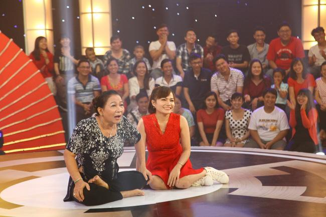 Đang diễn bị rớt răng, cô nông dân khiến Trấn Thành bật cười phấn khích - Ảnh 10.