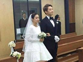 Kim Tae Hee viết thư tay cảm ơn chồng và fan hâm mộ trong ngày cưới