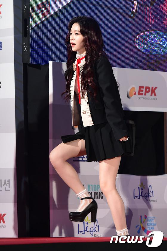 Thảm đỏ Seoul Music Awards: Phạm Băng Băng Hàn Quốc mặc sến vẫn đủ lấn át loạt mỹ nhân Kpop-3