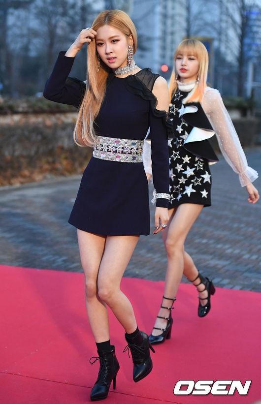 Thảm đỏ Seoul Music Awards: Phạm Băng Băng Hàn Quốc mặc sến vẫn đủ lấn át loạt mỹ nhân Kpop-13