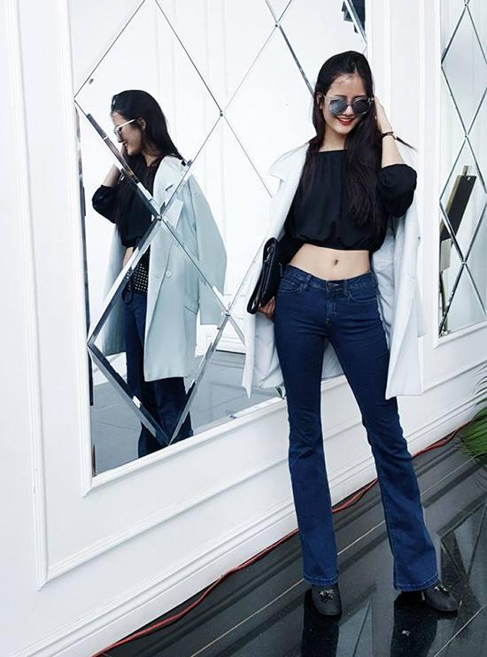 Hà Hồ lạnh lùng với cả cây đen, đối lập Thanh Hằng siêu nữ tính trong street style tuần này - Ảnh 15.