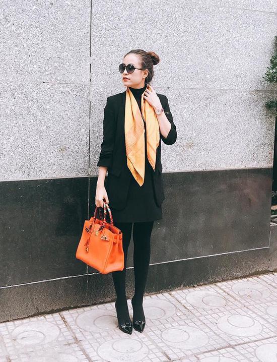 Hà Hồ lạnh lùng với cả cây đen, đối lập Thanh Hằng siêu nữ tính trong street style tuần này - Ảnh 14.