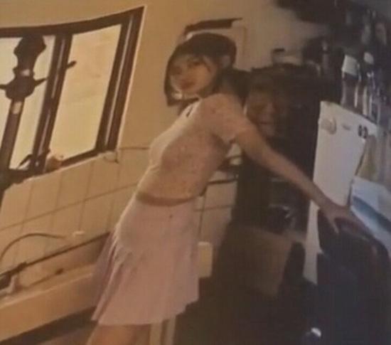 Hết Sulli, lại đến Suzy dính nghi án chụp ảnh lolita cổ súy ấu dâm - Ảnh 8.