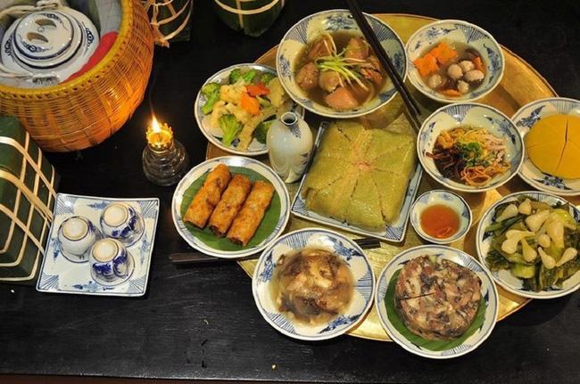 Dù nhiều của ngon vật lạ đến mấy, mâm cỗ Tết miền Bắc cũng chẳng trọn vẹn nếu thiếu 6 món ăn này - Ảnh 1.