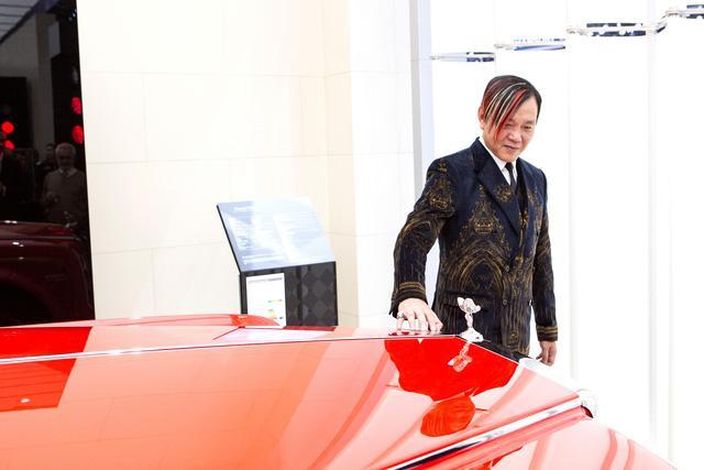 Chi tiết cặp đôi Rolls-Royce Phantom hàng thửa đắt nhất thế giới của tỷ phú Hồng Kông - Ảnh 1.