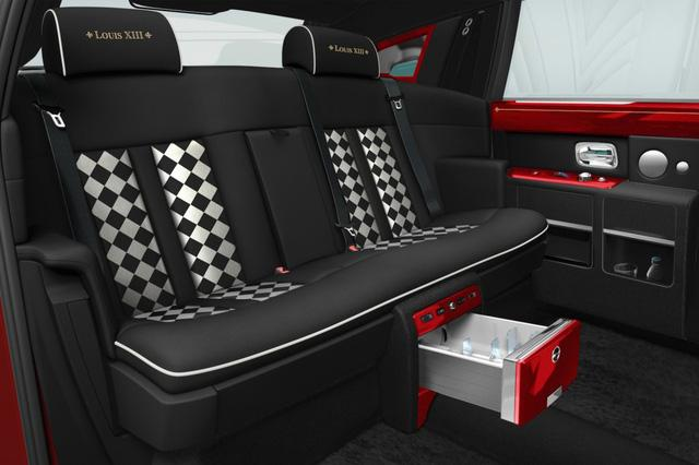 Chi tiết cặp đôi Rolls-Royce Phantom hàng thửa đắt nhất thế giới của tỷ phú Hồng Kông - Ảnh 9.