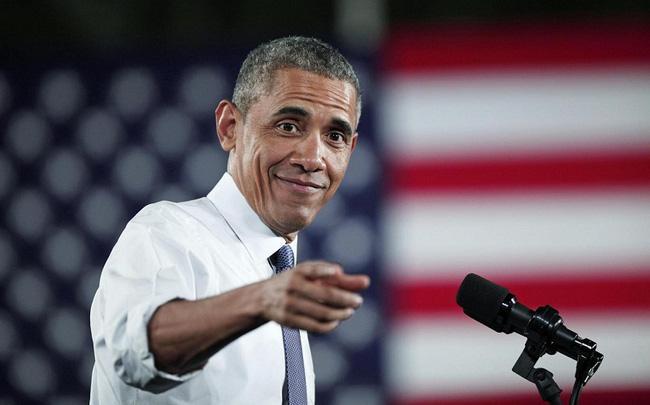 Thợ cắt tóc tiết lộ bí mật mái tóc ông Obama suốt 20 năm - Ảnh 1.