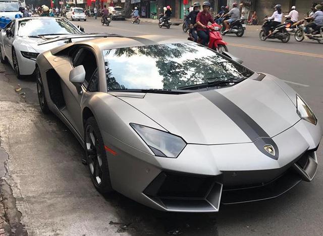 Đại gia Việt chi hơn 300 triệu Đồng độ lại siêu xe Lamborghini Aventador chơi tết - Ảnh 2.