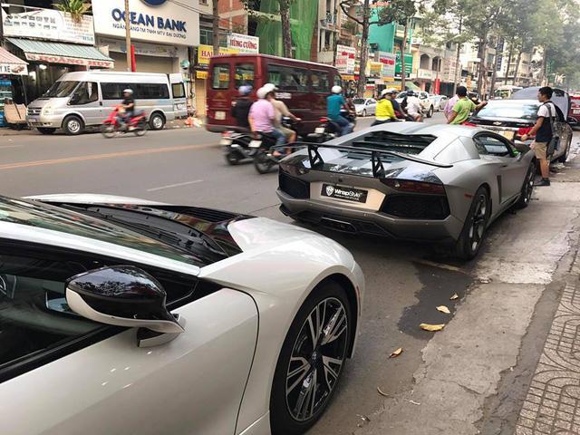 Đại gia Việt chi hơn 300 triệu Đồng độ lại siêu xe Lamborghini Aventador chơi tết - Ảnh 3.