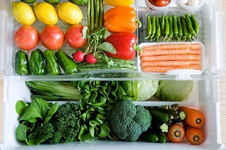 Ngày Tết nên mua nhiều rau xanh, trái cây, để tránh cơ thể nạp quá nhiều tinh bột và thịt.