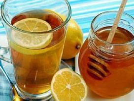 Uống nhiều nước chanh, mật ong có thể hại gan