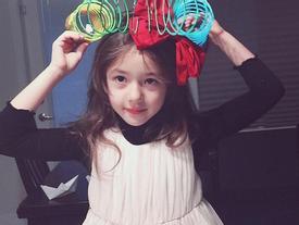 Thêm một cô bé Hàn lai Tây nổi tiếng, xinh như thiên thần!