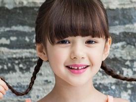 Vẻ đáng yêu của 'thiên thần quảng cáo' 8 tuổi xứ Hàn