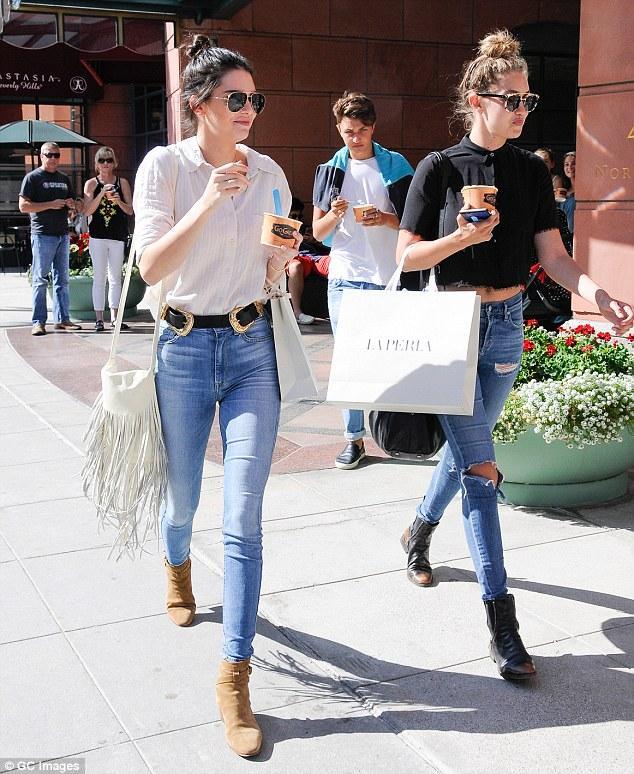 Gigi Hadid và Kendall Jenner - cặp tri kỷ chân dài, quyến rũ và đẹp đôi nhất quả đất! - Ảnh 6.