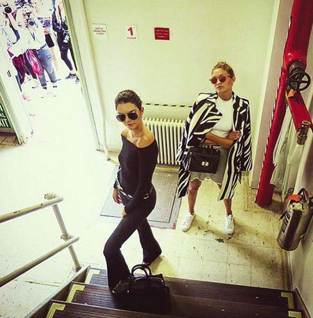 Gigi Hadid và Kendall Jenner - cặp tri kỷ chân dài, quyến rũ và đẹp đôi nhất quả đất! - Ảnh 12.