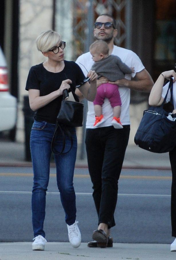 Mỹ nhân nóng bỏng Scarlett Johansson chia tay chồng sau 2 năm kết hôn - Ảnh 3.
