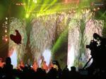 Màn trình chiếu pháo hoa hoành tráng trên màn hình LED ở Hà Nội đêm Giao thừa
