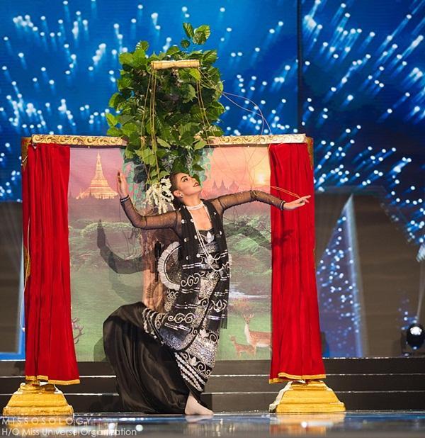 Quốc phục của Lệ Hằng xuất sắc xếp hạng 4 tại Miss Universe 2016 - Ảnh 2