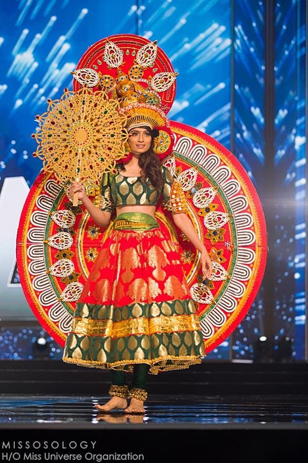Quốc phục của Lệ Hằng xuất sắc xếp hạng 4 tại Miss Universe 2016 - Ảnh 8