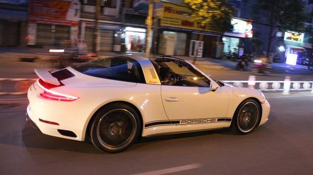 Loạt siêu xe và xe thể thao hàng độc được đại gia Việt tậu chơi Tết Đinh Dậu - Ảnh 9.