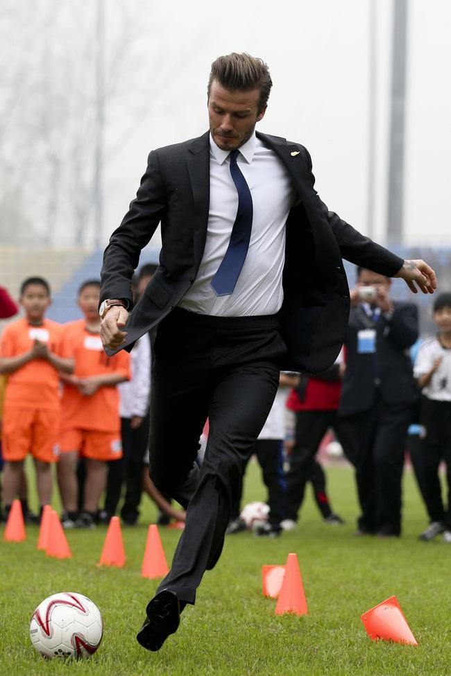 Ước mơ của mọi ông chồng: David Beckham có đến hơn 1.000 đôi giày, đè bẹp cả tủ giày của vợ - Ảnh 1.