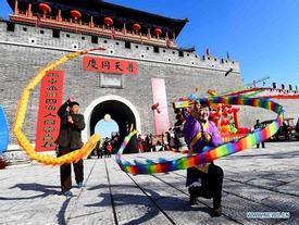 Lễ hội đầu năm rực rỡ sắc màu ở Trung Quốc