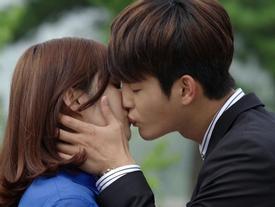 Song Joong Ki và Lee Min Ho bất ngờ 'bại trận' dưới tay mỹ nam này