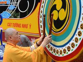 Khoảnh khắc ấn tượng chùa Hương ngày khai hội