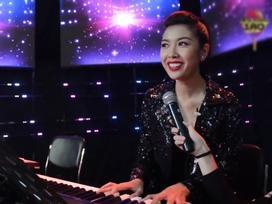 Hết ca sĩ cover đến Á hậu Thúy Vân cũng đã đàn hát Lạc Trôi