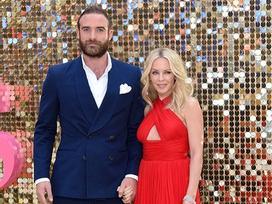Kylie Minogue đau đớn hủy hôn vì bị