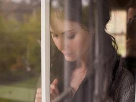 Tôi bị mẹ chồng mắng té tát khi có bầu mà vẫn ham xem bói