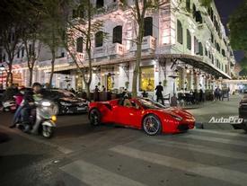 """""""Ngựa trồm"""" Ferrari 488 Spider màu đỏ dạo phố cuối tuần"""