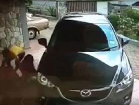 Trắng trợn lao vào nhà nạn nhân cướp trong vòng 30 giây