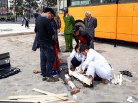 Cắt thùng phuy để trang trí quán cafe xe buýt, 1 người bị thương nặng