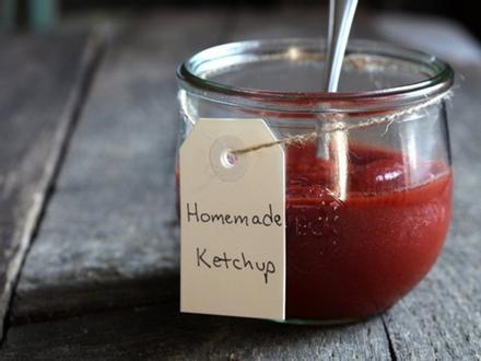 Tự làm tương cà ketchup trong 2 phút