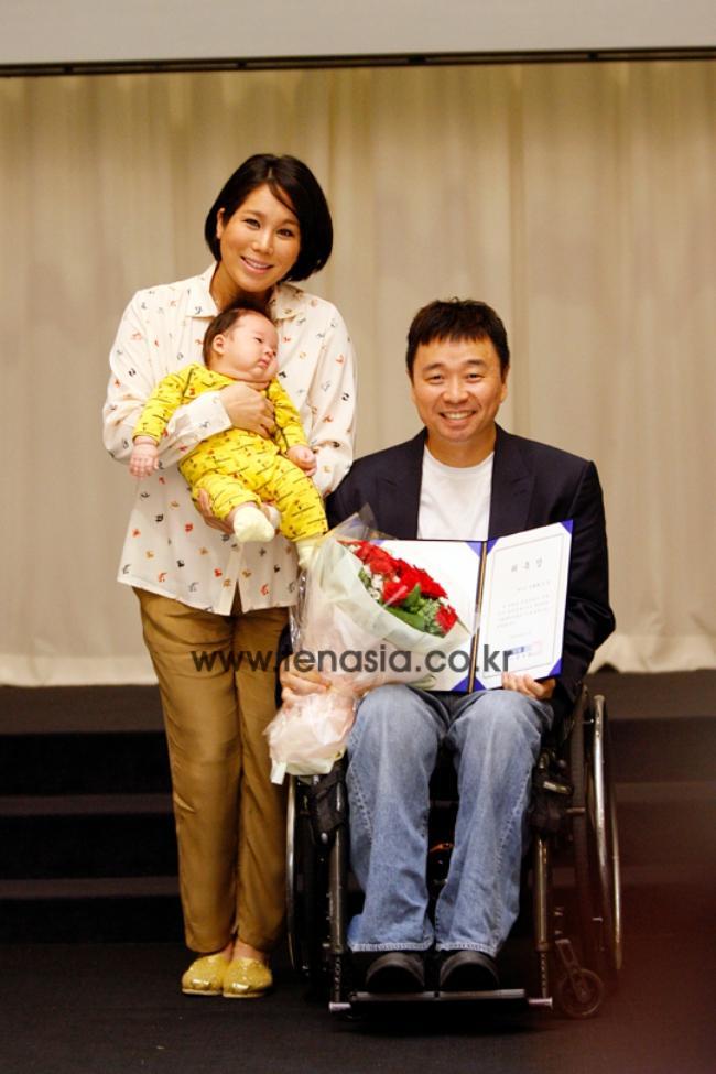2 tháng sau ngày chú chó cưng qua đời, phép màu đã đến với cặp vợ chồng nghệ sĩ Hàn - Ảnh 7.