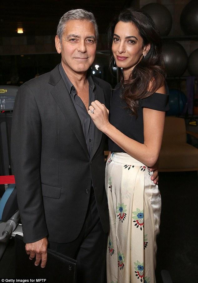 Tài tử tóc muối tiêu đẹp trai nhất Hollywood sắp chào đón một cặp song sinh ở tuổi 55 - Ảnh 3.