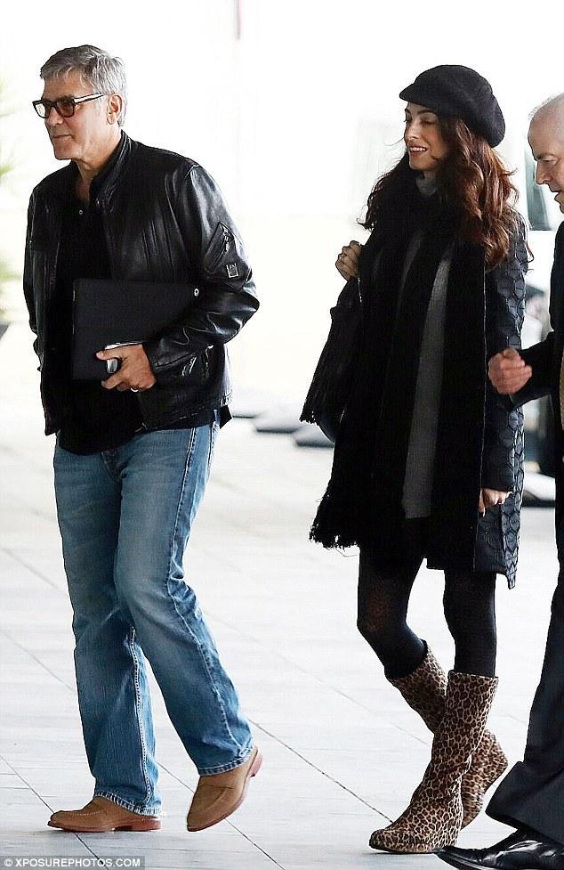 Tài tử tóc muối tiêu đẹp trai nhất Hollywood sắp chào đón một cặp song sinh ở tuổi 55 - Ảnh 2.