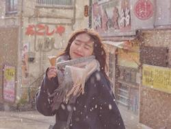 Mẫn Tiên thiên thần lại 'đốn tim' người xem chỉ bằng bộ ảnh chụp dưới tuyết lạnh