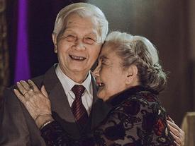 Không phải soái ca hay ngôn tình bộ ảnh này chứng minh tình yêu thời 'ông bà anh' là hoàn toàn có thật