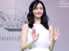 Yoona lộng lẫy như nữ thần trong buổi giao lưu với fan Việt