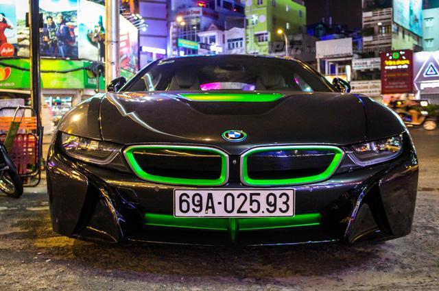 BMW i8 của thiếu gia Cà Mau xuất hiện tại Sài thành - Ảnh 4.