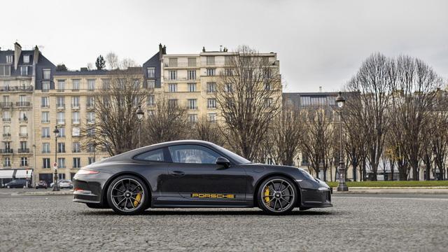 Porsche 911 R có 1 không 2 trên thế giới được rao bán với giá cao - Ảnh 7.