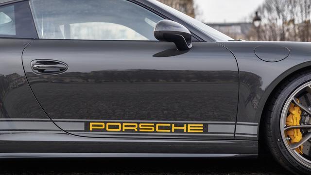 Porsche 911 R có 1 không 2 trên thế giới được rao bán với giá cao - Ảnh 4.