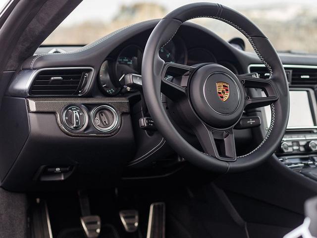 Porsche 911 R có 1 không 2 trên thế giới được rao bán với giá cao - Ảnh 12.