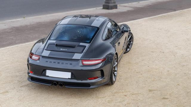 Porsche 911 R có 1 không 2 trên thế giới được rao bán với giá cao - Ảnh 2.
