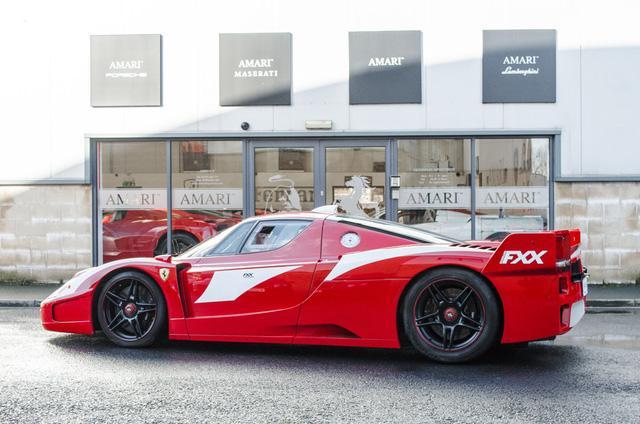 Siêu xe Ferrari FXX phiên bản đường phố duy nhất trên thế giới có giá khóc thét - Ảnh 2.